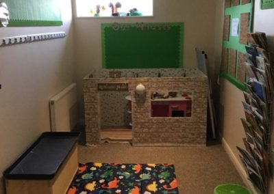 reading area | Hawkinge location | Little Oaks | Hawkinge - Kent